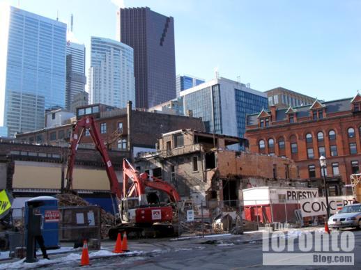 The Berczy condo construction
