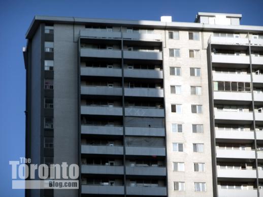 200 Wellesley Street East apartment building