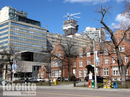 Four Seasons Hotel & Residences Toronto