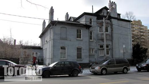 571 Jarvis Street