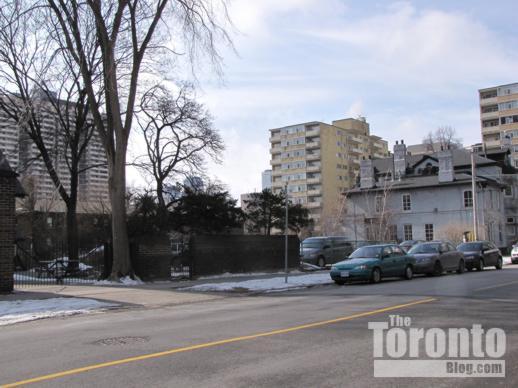 parking lot behind 571 Jarvis Street