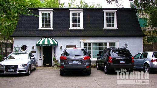 81 Wellesley Street East Toronto coach house