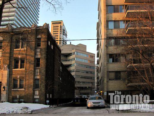 apartments on Isabella Street Toronto