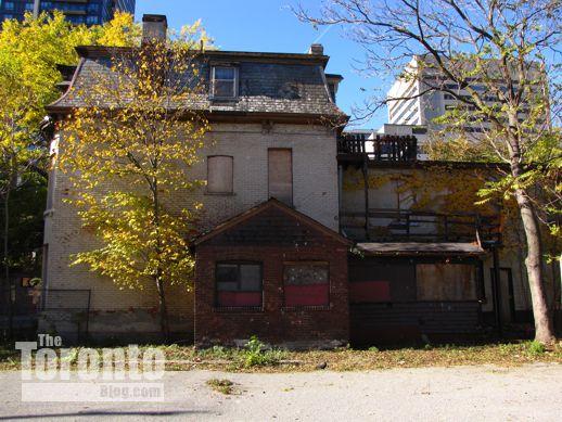 4 Howard Street Toronto