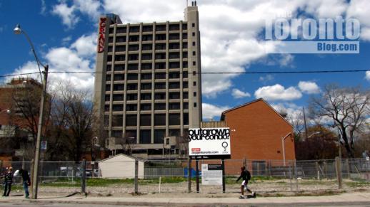 102 Shuter Street Toronto