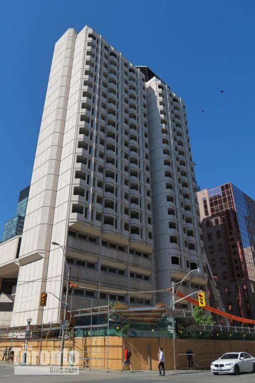 90 Gerrard Street West Toronto