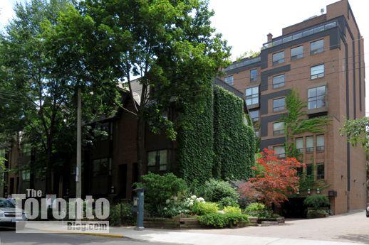 Terrace Court condos at 19 Dundonald Street Toronto