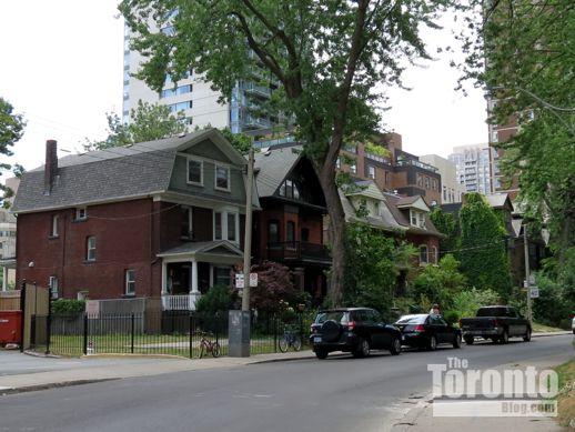 31-37 Dundonald Street Toronto