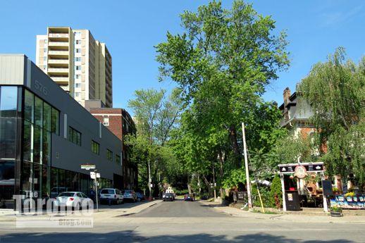 east end of Dundonald Street Toronto