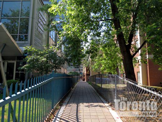 public walkway from Dundonald to Wellesley Street