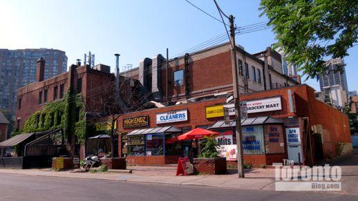 2 Dundonald Street