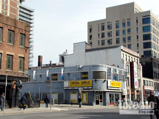 579 Yonge Street