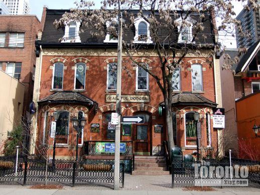 The Artful Dodger pub at 10 Isabella Street
