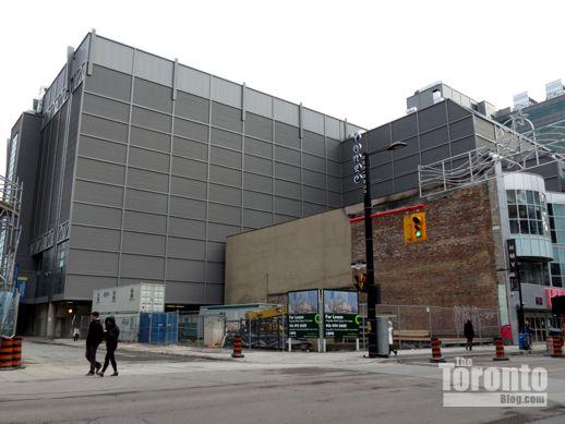 335 Yonge Street 335 Yonge Street December 25 2012 518 px  IMG_0705