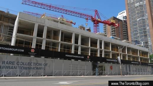 U Condos townhome construction along Bay Street