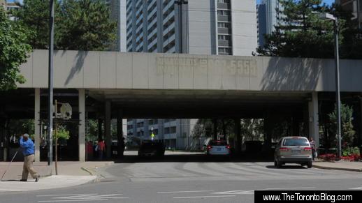 545-555 Sherbourne Street podium link above Earl Street